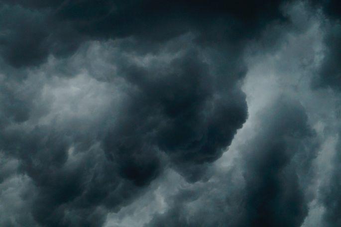 Tuvākajās piecās dienās gaidāmas spēcīgas lietusgāzes, līdzi nesot krusu un vētru