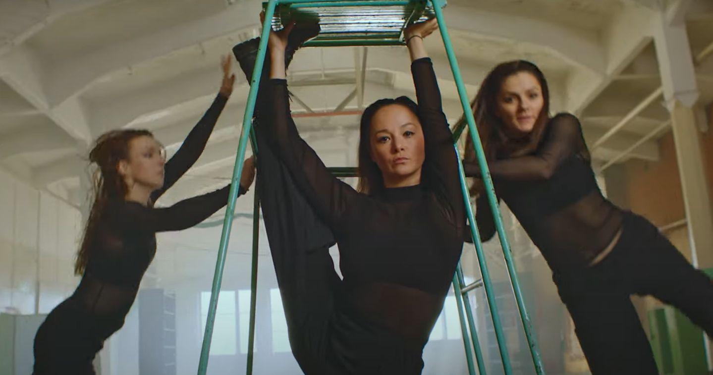 VIDEO: Pirmo reizi Latvijā tapis dejas videoklips, kurā apvienoti 8 dažādi deju stili